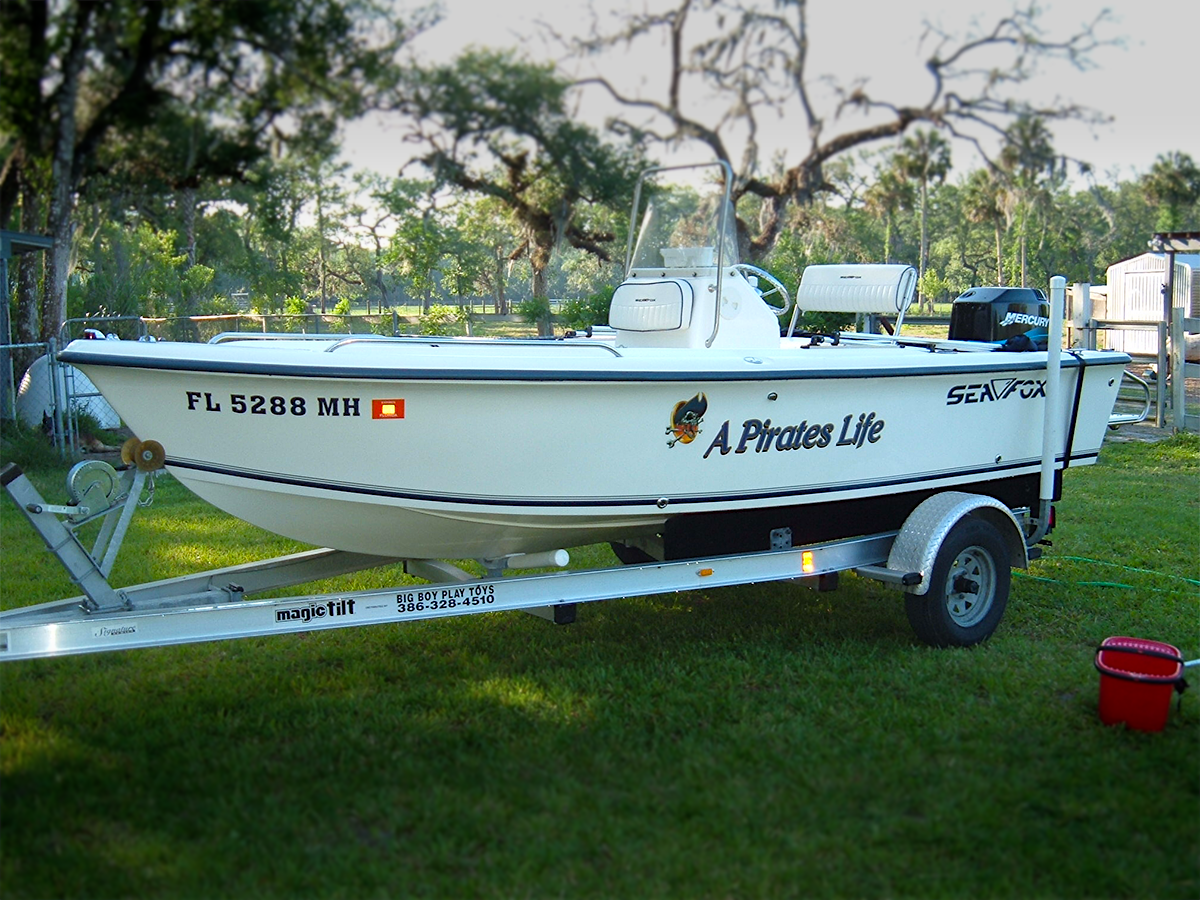 Vinyl Decals and Lettering on a Boat